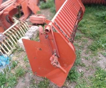 Рама подборщика с пружинами и боковыми крышками CLAAS 50